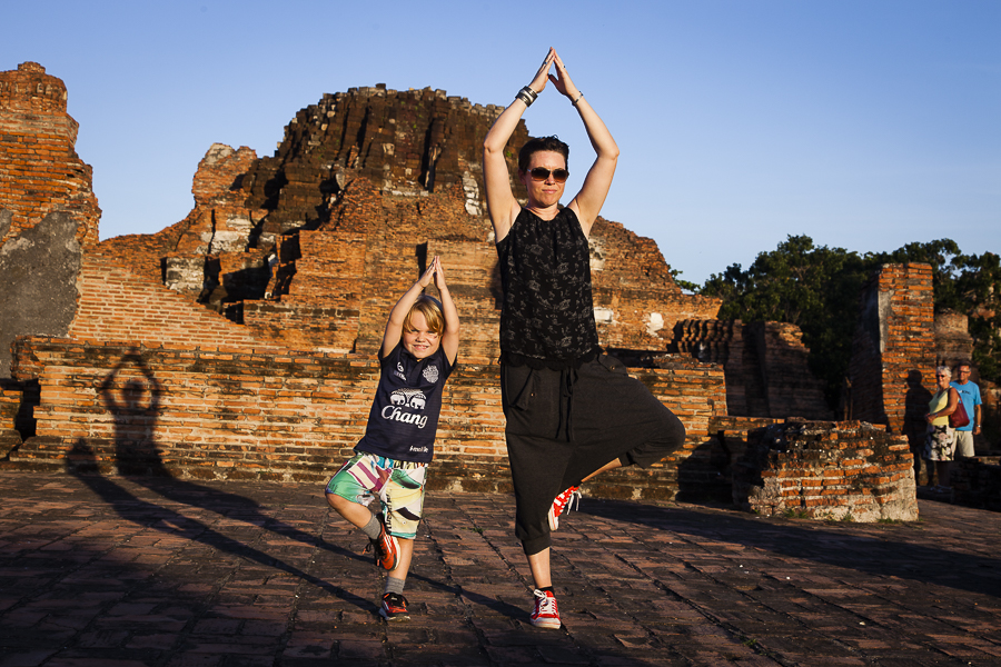 Genevieve and Liam at Wat Phra Mahathat, Ayutthaya, Thailand (De