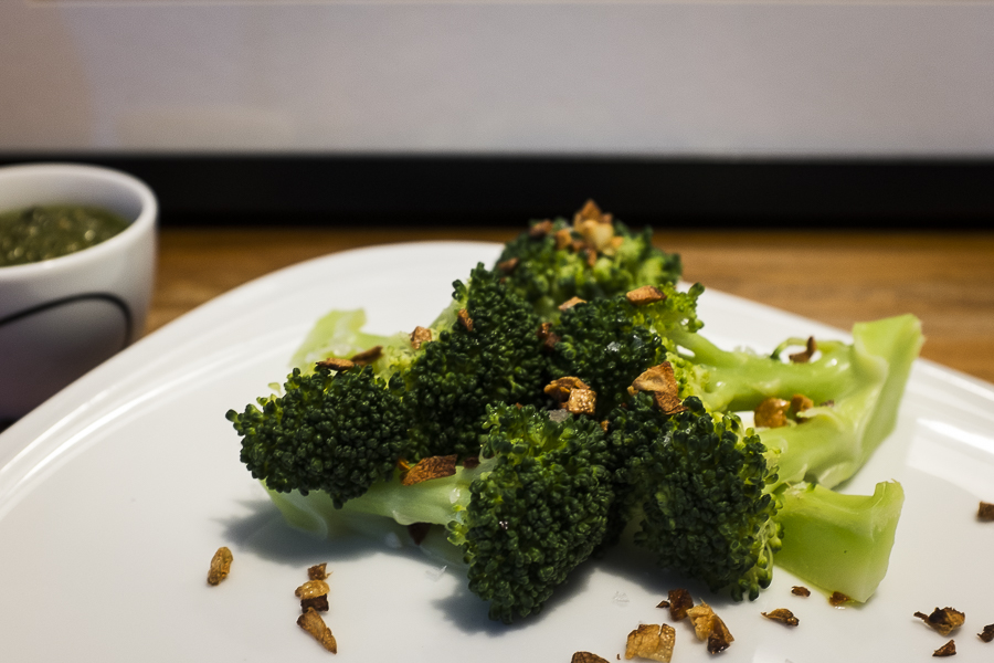 Broccoli with fried garlic