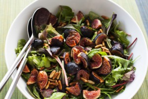 Fig salad with grilled salmon