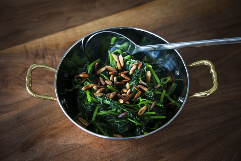 Fried Spinach with Garlic and Pine Nuts - Garlic and Lime