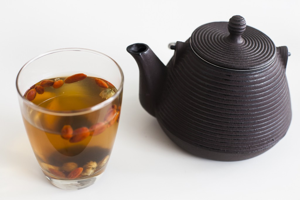Chrysanthemum plum yoji berry tea